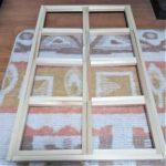 木材を四角く組み立てた画像