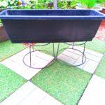 プランターと植木鉢スタンドの画像