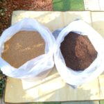 赤玉土と堆肥の画像